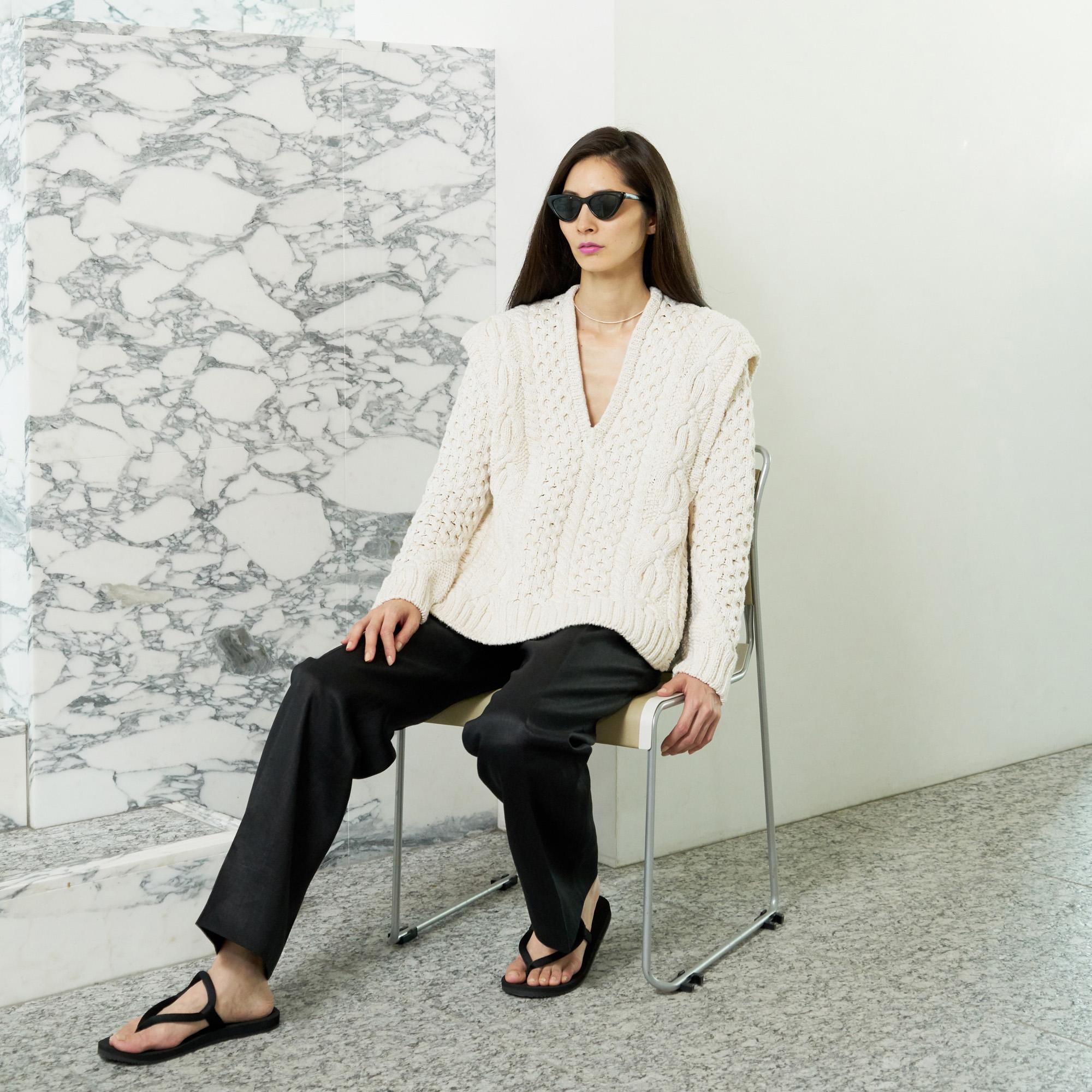 Hand knit vest ・Linen pants